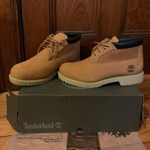 NWT AUTHENTIC Low-Top Timberland Boots USM8.5